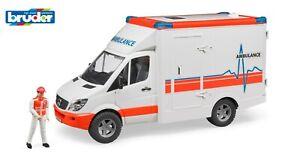 Bruder 02536 MB Sprinter Ambulanz mit Sanitäter Krankenwagen 2536 Arztauto Neu