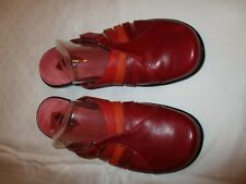Clarks 72416 sandals shoes red/orange multi color leather size 8 M USED EUC