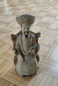 China Kaiser auf Thron Horn Art Figur Verziert Handarbeit Rarität aus Nachlass