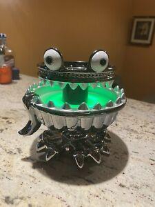 2021 Bath Body Works Halloween Candle Holder Pedestal Lights Up Monster Fountain