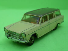 DINKY TOYS 548  FIAT 1800    SELTEN RARE      IN VERY GOOD  CONDITION