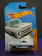 Hot Wheels 2017 Custom '62 Chevy Pickup Surf's up Series 1/5 in White Long Card