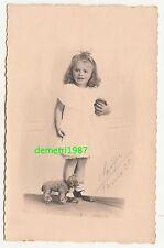 Foto sehr süßes Mädchen mit Spielzeug um 1930 Saupe Pirna signiert vintage photo