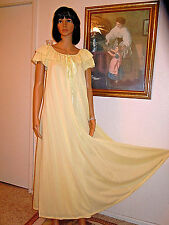 CLAIRE SANDRA by LUCIE ANN BEVERLY HILLS vintage Sleepwear LEMON YELLOW S small