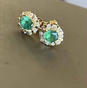 18ct Yellow Gold Diamond Emerald Earrings Halo Cluster Studs 0.30ct DIA 0.50ct