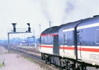 PHOTO  HST FRONT POWER CAR AT WESTBURY 1980S