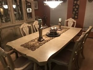 Dining table set 8 chairs with buffet and break front