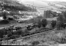 PHOTO  A CLASS 37 PULLS OUT OF MERTHYR VALE COLLIERY IN MARCH 1988