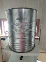 Vintage Bromwells Flour Measurer Sifter 5 cups Works