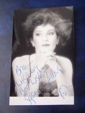 Susanna Fellows  + Note  - autograph (GC5) 5.5 x 3.5  inch
