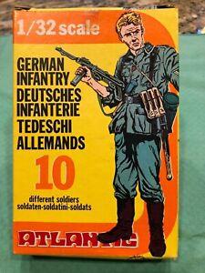 ATLANTIC GERMAN INFANTRY 1/32 scale complete set INCLUDES MACHICE GUN