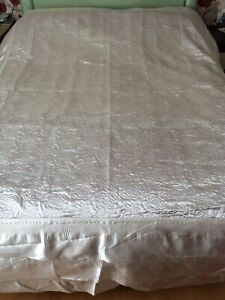 King Size Bed Ivory Satin Bed Spread