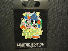 DISNEY DLR NATIONAL CHILDREN'S DAY 2008 MICKEY & MINNIE MOUSE PIN ON CARD LE 500