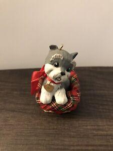 Hallmark Keepsake Puppy Love Ornament. 1992.Pre-Owned