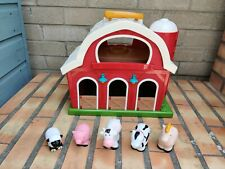 Battat – Big Red Barn – Farm Playset for Toddlers 18m+ with Little People Animal