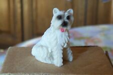 unbespielter junger größerer Puppenstubenhund ca. 4cm hoch / Miniatur