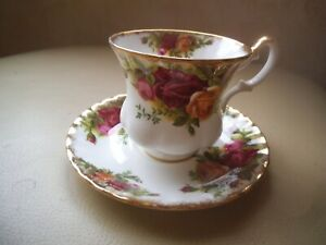 ROYAL ALBERT ~ OLD COUNTRY ROSES Cup & Saucer BONE CHINA ENGLAND