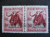 SOUTH AFRICA 1p pair U plate flaw on one stamp, check them out!