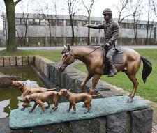 Bronzeskulptur, Jäger auf Pferd mit seinen Hunden, Dekoration für ihre Wohnung