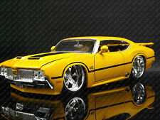 Jada Toys 1:24 1970 Oldsmobile 442 w-30 Classis American Muscle Car Model
