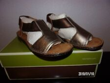 naturalizer Ringo Flat Sandals Metallic Multi 5.5 Med new in Box