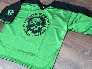 Muscle Gym Rag Top Gasp Bodybuilding Football Style Wow Gasp T-Shirt Green