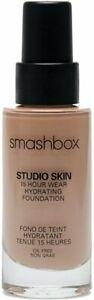 Studio Skin 15 Hour Wear Hydrating Foundation by Smashbox, 1 oz 1.1 (Fair)