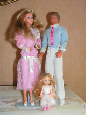 BARBIE , KEN et KELLY vintage n°9079 happy family 1985