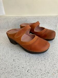 El Naturalista Brown Tan Round Toe Leather Clog Size 4.