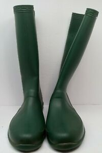 USED UNBRANDED MENS RAIN BOOTS Green Rubber Tread 12 Inches Height Size 9