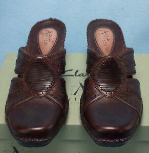 Clarks Artisan Shiba Shoes  9 1/2 M Brown Leather Wedge Heel Mule Slip-On Slide