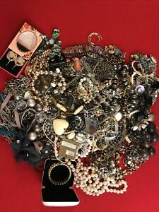 Job Lot of Costume Jewellery Necklaces, Rings Bracelets 99p Start ! Worth A Look