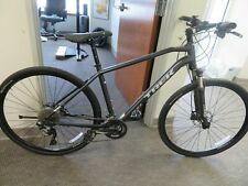 Trek dual sport 4 Flat bar bike Size 19 in / Large Stand over 30 inch