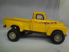 DIECAST COLLECTIBLE 1:25 YELLOW 1950 CHEVY TRUCK 3100  126I