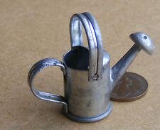 1:12 scala medio metallo Annaffiatoio Casa Bambole Miniatura Accessorio Giardino BM