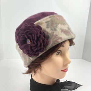 Women's Cashmere Sweater Hat Hand Made Burgundy Floral Print Flower Brooch OS