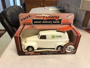 "1:25 Scale Ertl Die-cast 1950 Chevy Panel Delivery Bank ""Publix"""