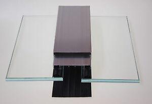 Aluprofile und Flachprofile zur Glasbefestigung auf Glasdach bei Pergola