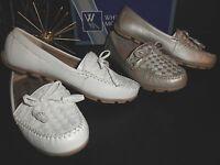 NIB Womens White Mountain Sprinkler Slip on Moc Flats Shoes Champagne 8.5M