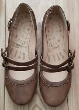 Mustang Shoes Size 10