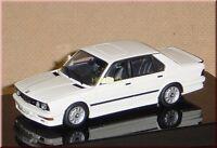 BMW M535i M 535i E28 1984-1987 - alpinweiß alpine white - AUTOart 55161 1:43