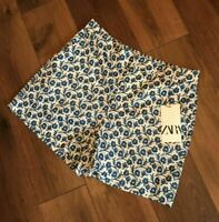 BNWT ZARA OYSTER WHITE AND BLUE FLORAL PRINT BERMUDA SHORTS SIZE L