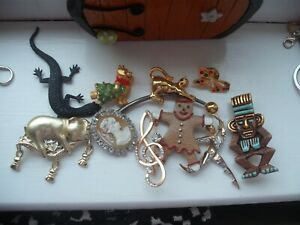 VINTAGE BROOCHES  ASSORTED  X 10 GOOD CONDITION SEE PICTURES