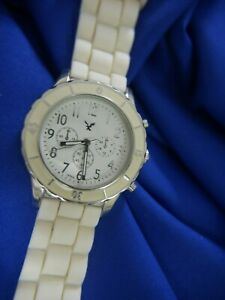 15135 EAGLE BIRD LADIES SILVER TONE WHITE SILICONE BAND watch WORKS NEW BAT A10