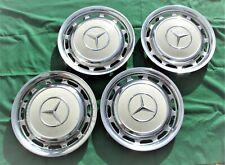 Mercedes  W123.: 4 wunderschöne Radkappen, orig. und gut erhalten,  pastellweiß