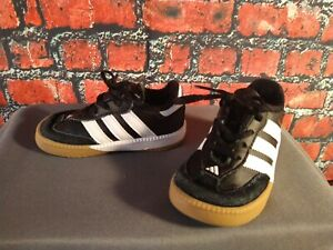 EUC toddler unisex ADIDAS / SAMBA athletic shoes - size 6 K