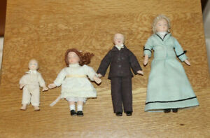Dolls House Figures 1/12 Scale - Mother and 3 children, porcelain