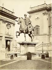 Italie, Roma, statue équestre de Marc Aurèle Vintage albumen print  Tirage alb