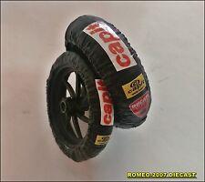 1:12 Tire Warmers Termocoperte Valentino Rossi Ducati GP 2011 Set to minichamps