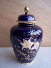 alte Deckelvase Kobaltblau mit Blumendekor Staffel Keramik